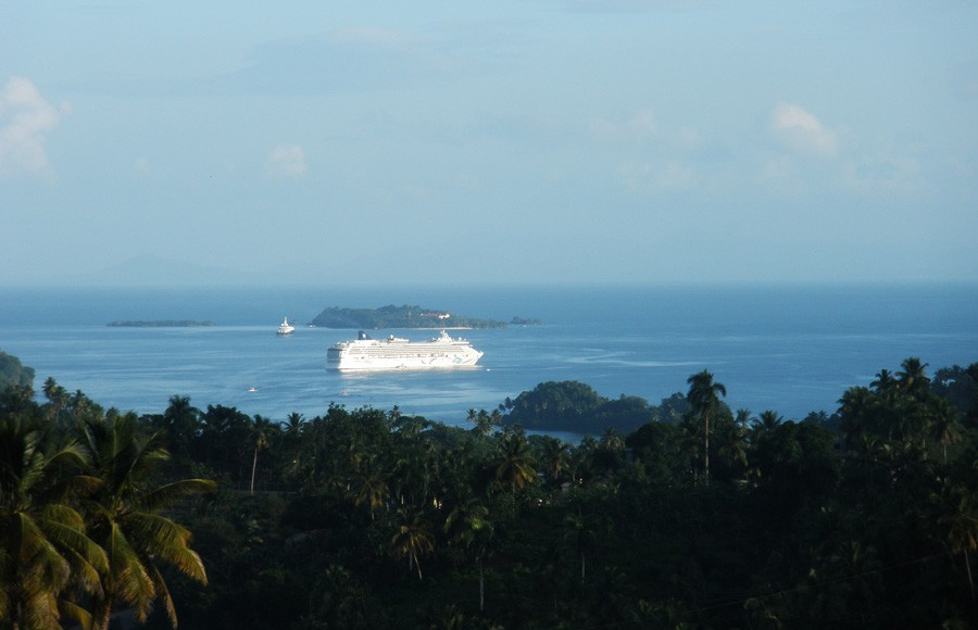 Cruise Ships visiting Samana from October to April every year.