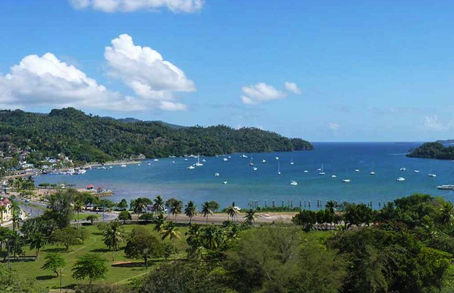 The lovely scenic small town of Samana.