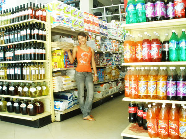 Supermercado Mimasa Samana - Most Modern Supermarket in the town of Samana... Credit Cards welcomed.
